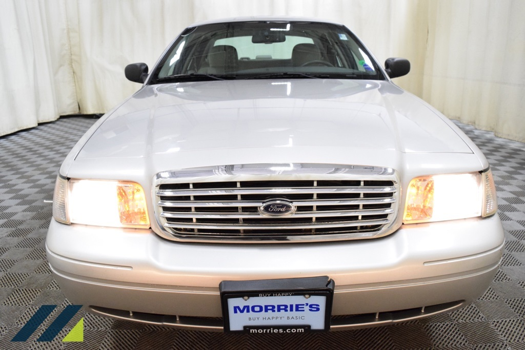 Pre-Owned 2008 Ford Crown Victoria LX